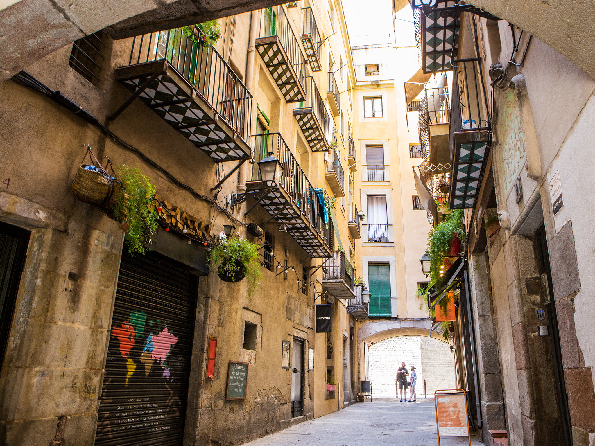 VR Tour Through The Streets Of Barcelona